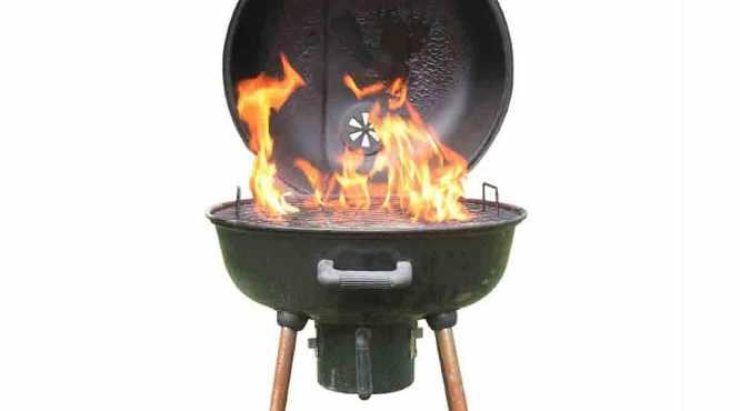 Как правильно разжигать костёр для барбекю?