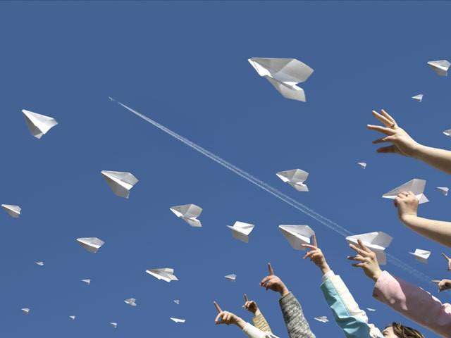 Во Львове проведут соревнования по запуску бумажных самолётиков