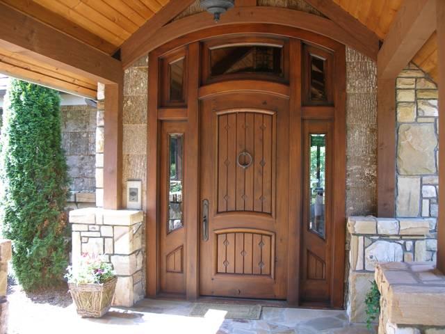 Входные двери для дома – какие лучше выбрать?