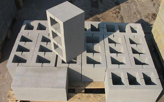 Для строительства несущих стен наиболее оптимальным вариантом является использование блоков из бетона